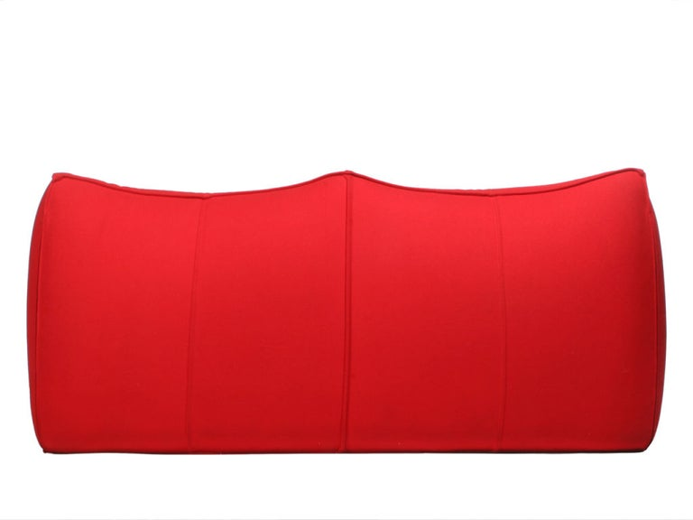 Le Bambole Settee by Mario Bellini In Good Condition For Sale In Sagaponack, NY