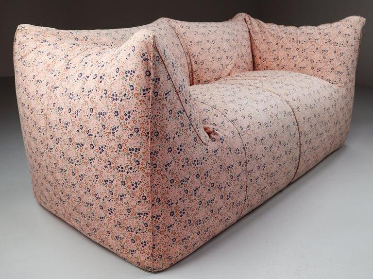Mid-Century Modern Le Bambole Sofa in Original Floral Fabric by Mario Bellini for B&B Italia, 1972 For Sale