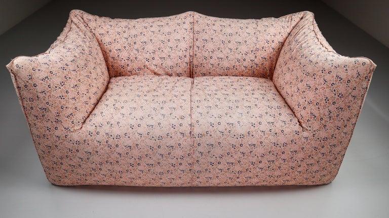 Italian Le Bambole Sofa in Original Floral Fabric by Mario Bellini for B&B Italia, 1972 For Sale