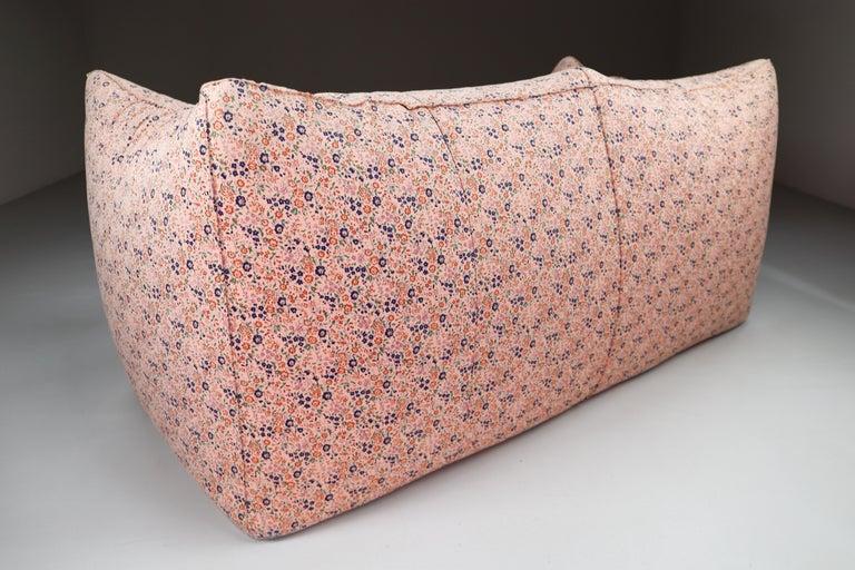 Late 20th Century Le Bambole Sofa in Original Floral Fabric by Mario Bellini for B&B Italia, 1972 For Sale