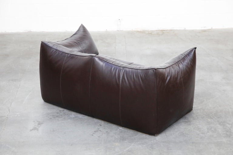'Le Bambole' Thick Hide Leather Loveseat by Mario Bellini for B&B Italia, Signed For Sale 2