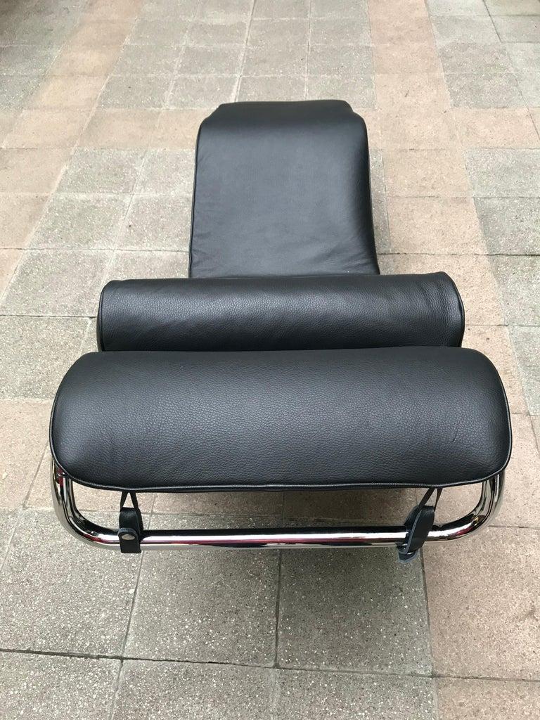 Contemporary Le Corbusier/ Charlotte Perriand LC4 Chaise Lounge