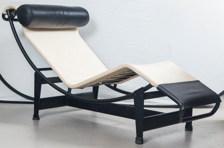 Modern Le Corbusier, Jeanneret and Charlotte Perriand LC4 Chaise Lounge For Sale