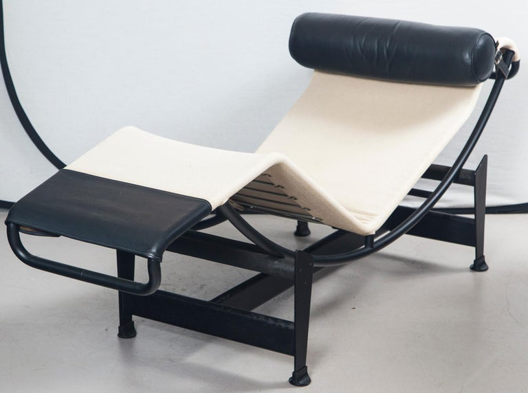 Le Corbusier, Jeanneret and Charlotte Perriand LC4 Chaise Lounge In Good Condition For Sale In Norwalk, CT