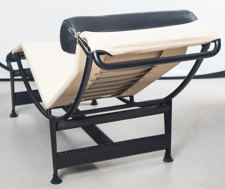 Metal Le Corbusier, Jeanneret and Charlotte Perriand LC4 Chaise Lounge For Sale