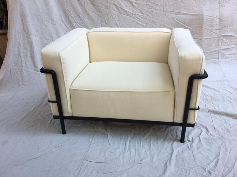 Le Corbusier LC-3 Lounge Chairs for Cassina in Off White Canvas For Sale 3