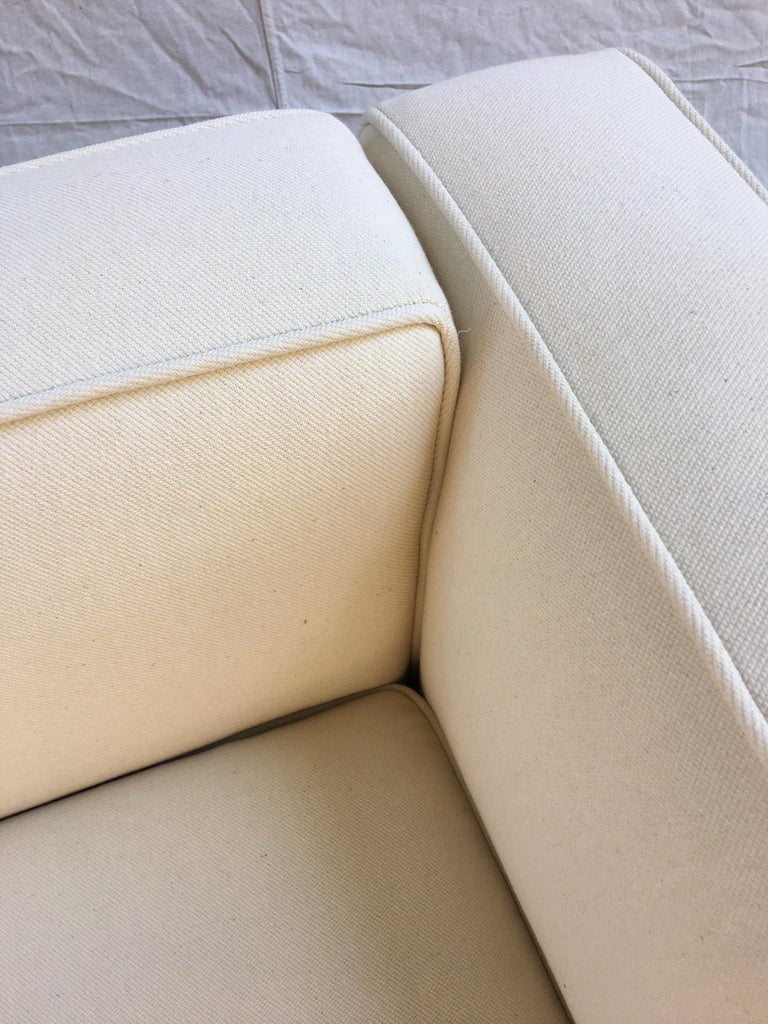Le Corbusier LC-3 Lounge Chairs for Cassina in Off White Canvas For Sale 4