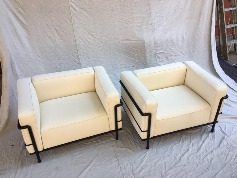Italian Le Corbusier LC-3 Lounge Chairs for Cassina in Off White Canvas For Sale