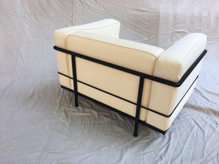 Metal Le Corbusier LC-3 Lounge Chairs for Cassina in Off White Canvas For Sale