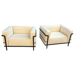 Le Corbusier LC-3 Lounge Chairs for Cassina in Off White Canvas