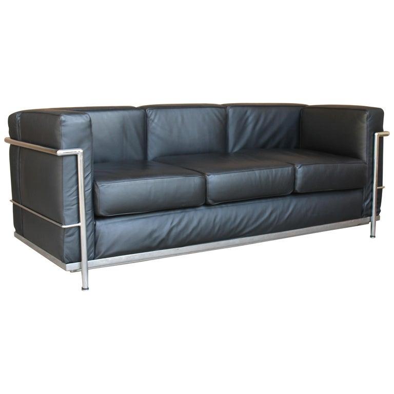 Le Corbusier LC2 Black Leather Three-Seat Sofa for Alivar For Sale