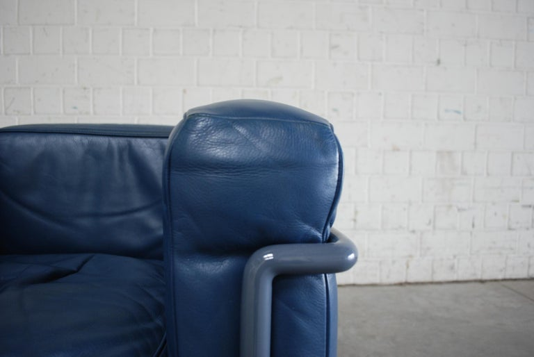 Le Corbusier LC2 Leather Armchair by Cassina 6