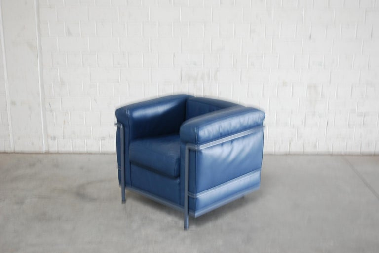 Le Corbusier LC2 Leather Armchair by Cassina 10