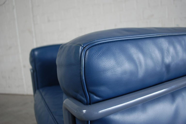 Le Corbusier LC2 Leather Armchair by Cassina 11