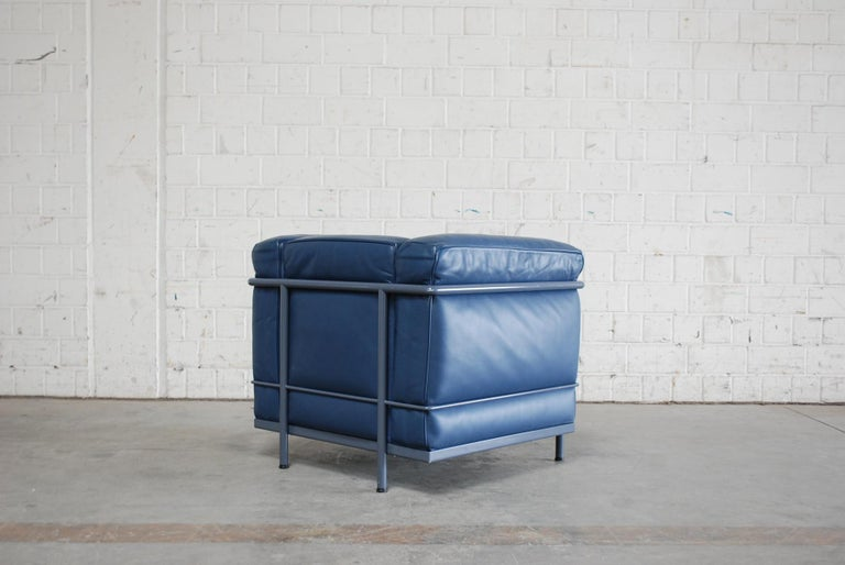 Le Corbusier LC2 Leather Armchair by Cassina For Sale at ...