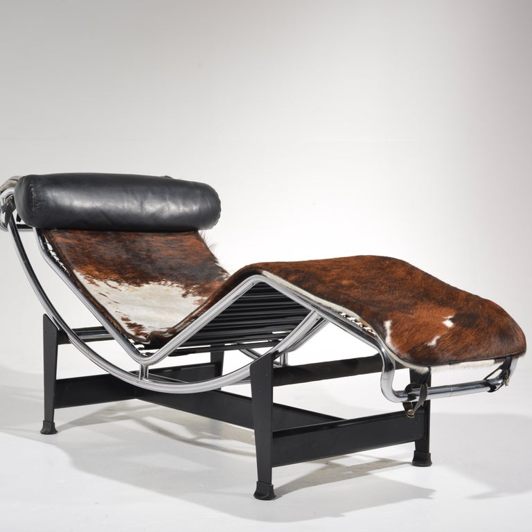 Mid-Century Modern Le Corbusier LC4 Chaise Lounge for Cassina For Sale