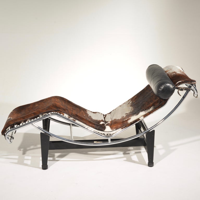 Le Corbusier LC4 Chaise Lounge for Cassina For Sale 1
