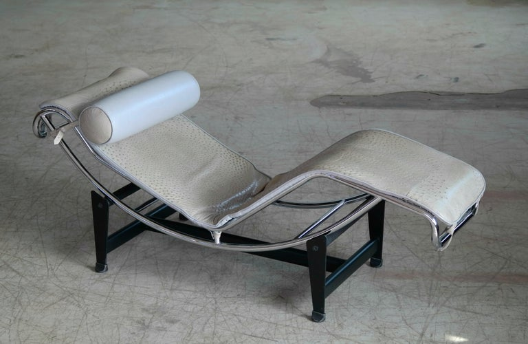 Le Corbusier Lc4 Style Chaise In Gray Ostrich Leather At