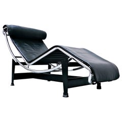Le Corbusier Lounge Chair LC4 Black Leather for Cassina