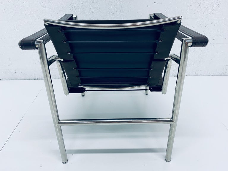 Le Corbusier, Pierre Jeanneret Charlotte Perriand LC1 Brown Leather Lounge Chair In Fair Condition For Sale In Miami, FL