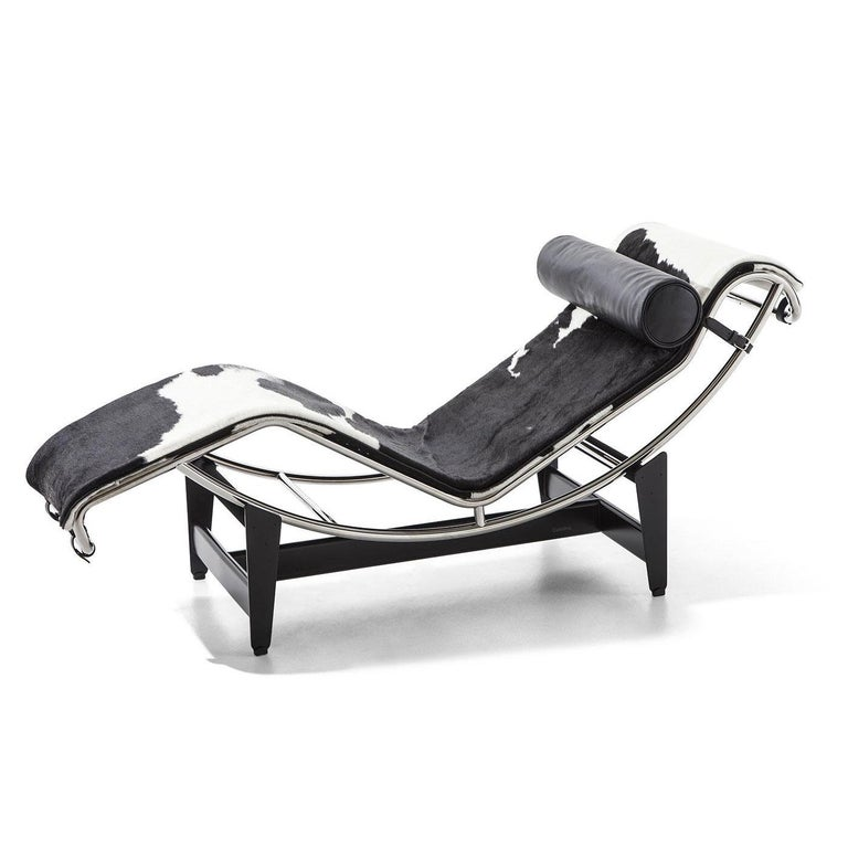 Chaise lounge designed by Le Corbusier, Pierre Jeanneret, Charlotte Perriand in 1928. Manufactured by Cassina in Italy.  Chaise lounge with adjustable polished trivalent chrome plated (CR3) steel frame. Black enamel steel base.  Designed in
