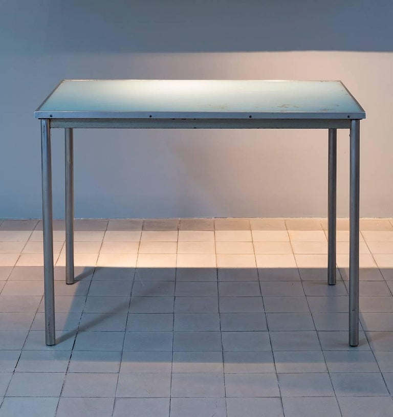 Le Corbusier, Pierre Jeanneret & Charlotte Perriand B307 table made by Thonet, circa 1930.  Important : vintage collector's item for sale with guaranteed authenticity.   Legs and structure in chromed steel. Blue-green glass plateau set in