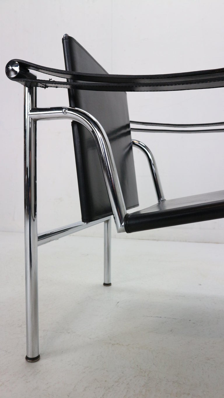 Le Corbusier Set of 2 Black Leather Armchairs Model- LC1 for Cassina, 1970s For Sale 4