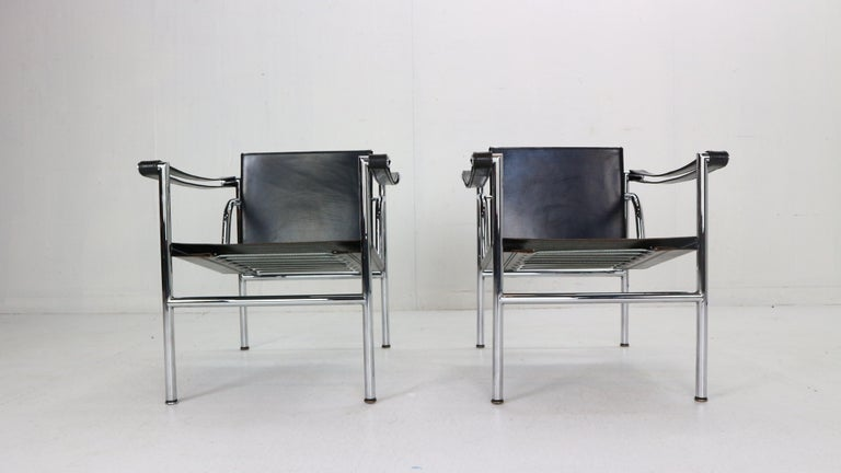 Mid-Century Modern Le Corbusier Set of 2 Black Leather Armchairs Model- LC1 for Cassina, 1970s For Sale