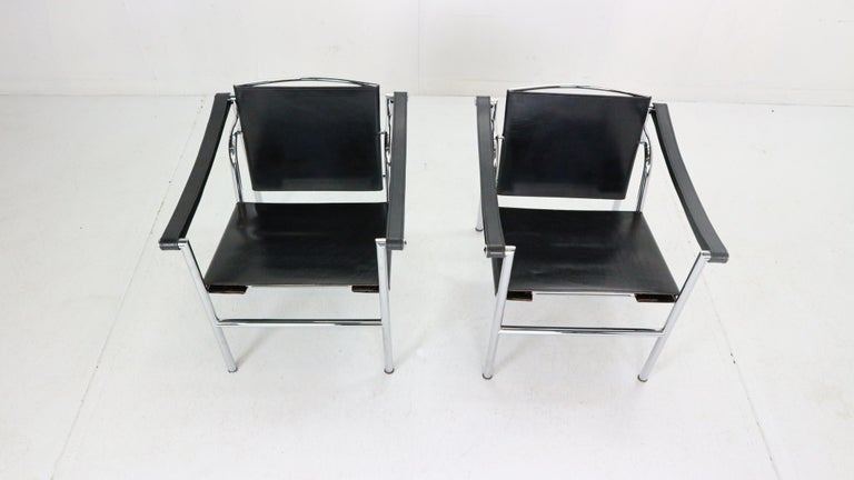 Le Corbusier Set of 2 Black Leather Armchairs Model- LC1 for Cassina, 1970s In Good Condition For Sale In The Hague, NL