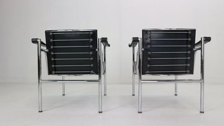 Le Corbusier Set of 2 Black Leather Armchairs Model- LC1 for Cassina, 1970s For Sale 1