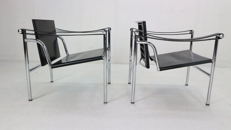 Le Corbusier Set of 2 Black Leather Armchairs Model- LC1 for Cassina, 1970s For Sale 2