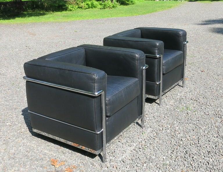 Awe Inspiring Le Corbusier Style Lc 2 Petite Confort Chairs Gordon International Pair Machost Co Dining Chair Design Ideas Machostcouk