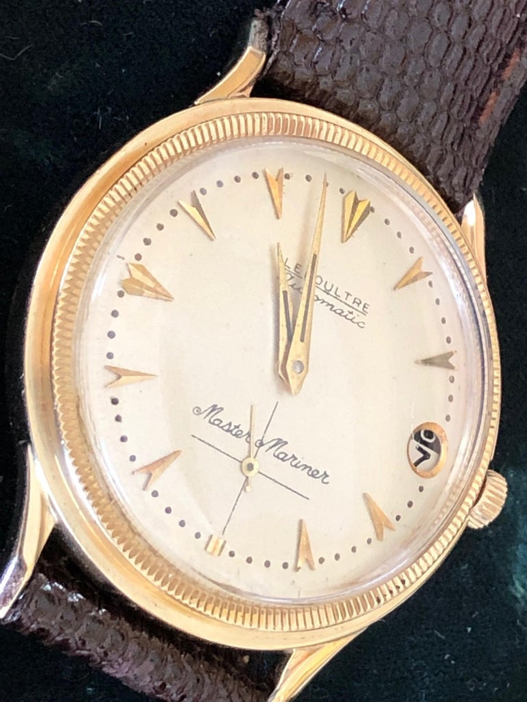 Le Coultre Men's Master Mariner 14-Karat Gold Watch with Box and Papers For Sale 4