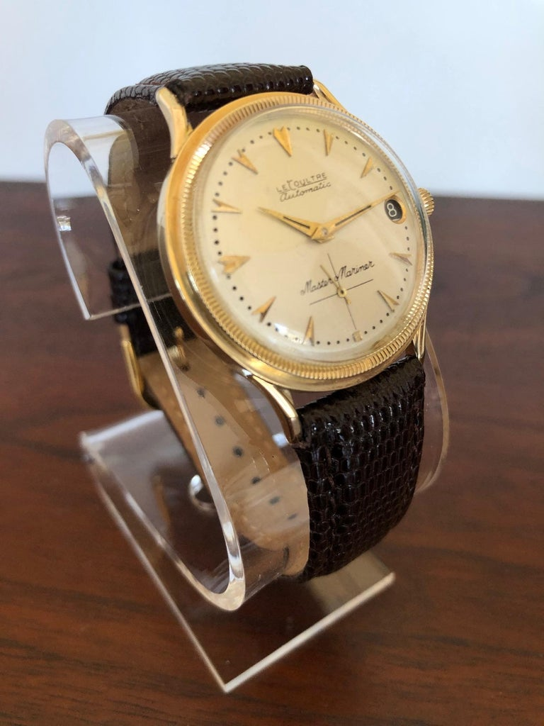 Le Coultre Men's Master Mariner 14-Karat Gold Watch with Box and Papers For Sale 7