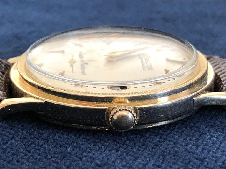 Swiss Le Coultre Men's Master Mariner 14-Karat Gold Watch with Box and Papers For Sale