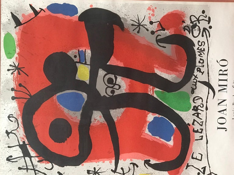This poster by Joan Miro announced the opening of his exhibition taking place in Galerie Berggruen in Paris in December 1971. The editor is Louis Broder. It sits in its original frame.