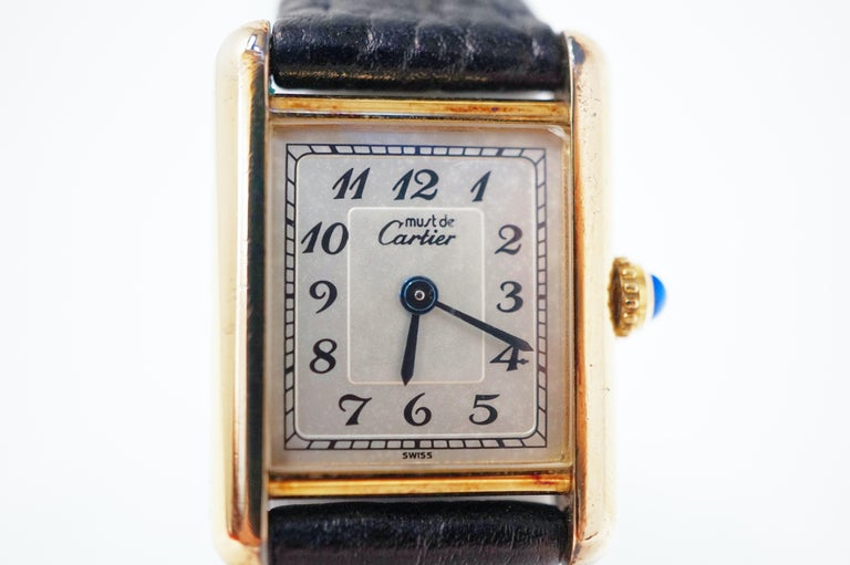 Le Must de Cartier Gold Vermeil Tank Watch with Leather Band In Good Condition In Los Angeles, CA