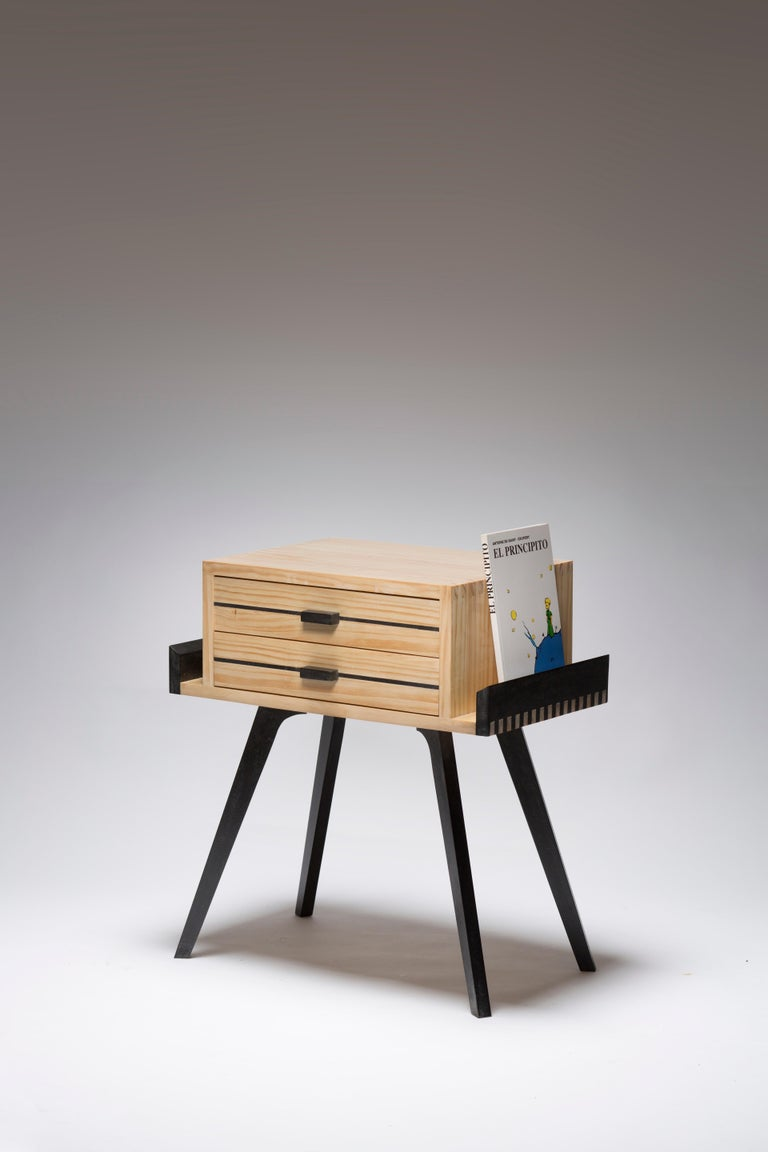 Le Petit nightstand is Inspired to the 50's with its sputnik legs and squared case. Le Petit nightstand case can be made in different woods and the legs lacquered in different colors, as per client request. The tray accommodates a book or a pair of
