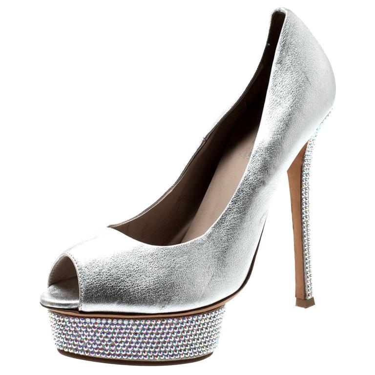 Le Silla Metallic Silver Leather Crystal Embellished Platform Peep Toe Pumps Siz