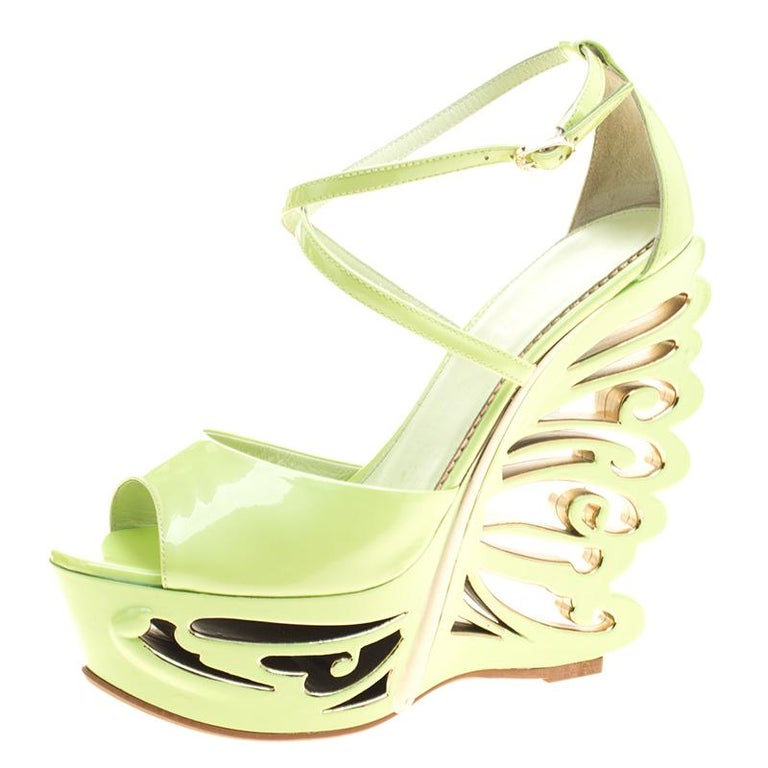 Pistachio Green Leather Sofa: Le Silla Pistachio Green Patent Leather Butterfly Wedge