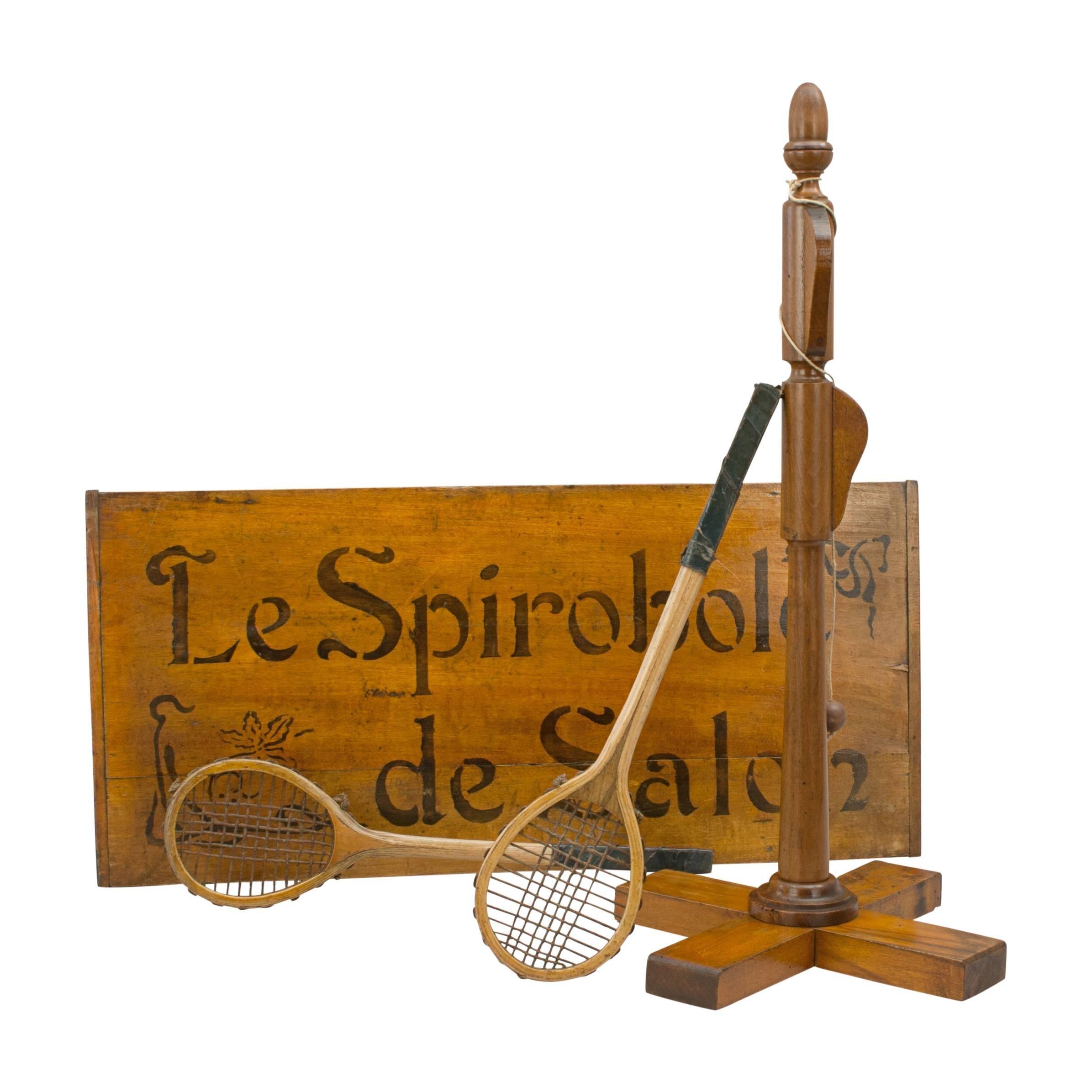 Poteau Au Milieu D Une Pièce antique le spiroble de salon, tennis game
