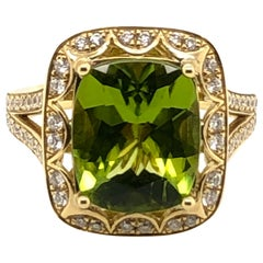 Le Vian 5 Carat Peridot and White Diamond Yellow Gold Couture Ring