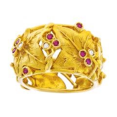 Leaf Motif Gold Ring