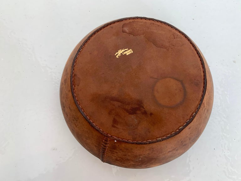 Leather and Ceramic Ashtray by Longchamps For Sale 2