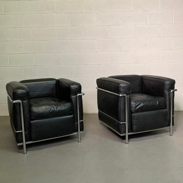 Mid-Century Modern Leather and Chrome LC2 Club Chairs by Le Corbusier for Cassina For Sale