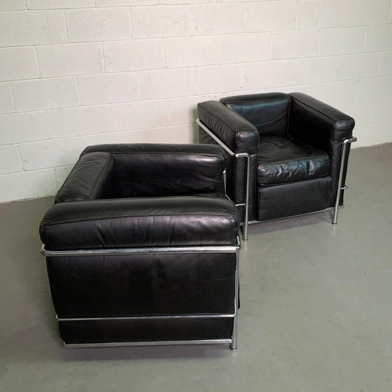 Leather and Chrome LC2 Club Chairs by Le Corbusier for Cassina In Good Condition For Sale In Brooklyn, NY