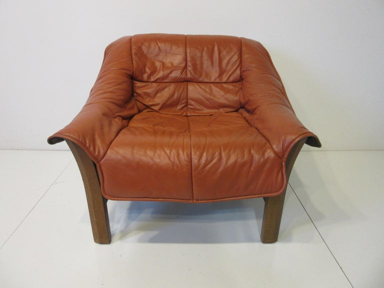 Leather and Rosewood Lounge Chair by Percival Lafer, Brazil In Good Condition For Sale In Cincinnati, OH
