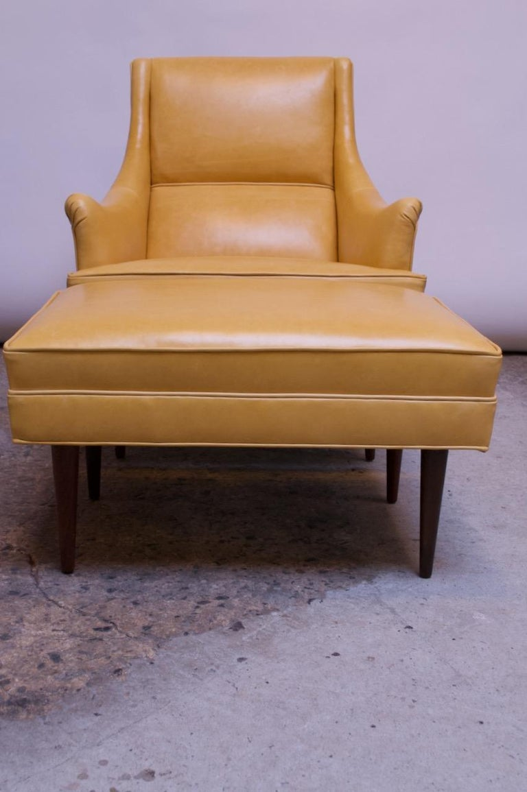 Mid-Century Modern Leather and Walnut Milo Baughman for James Inc. Lounge Chair and Ottoman For Sale