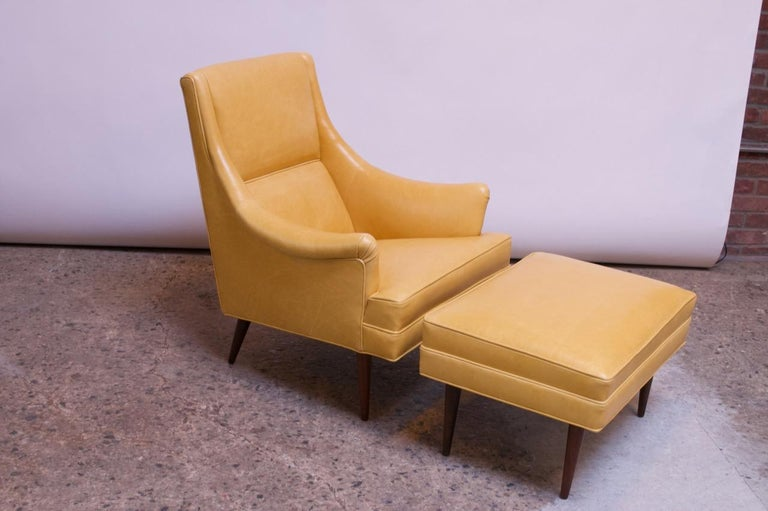 Leather and Walnut Milo Baughman for James Inc. Lounge Chair and Ottoman In Good Condition For Sale In Brooklyn, NY