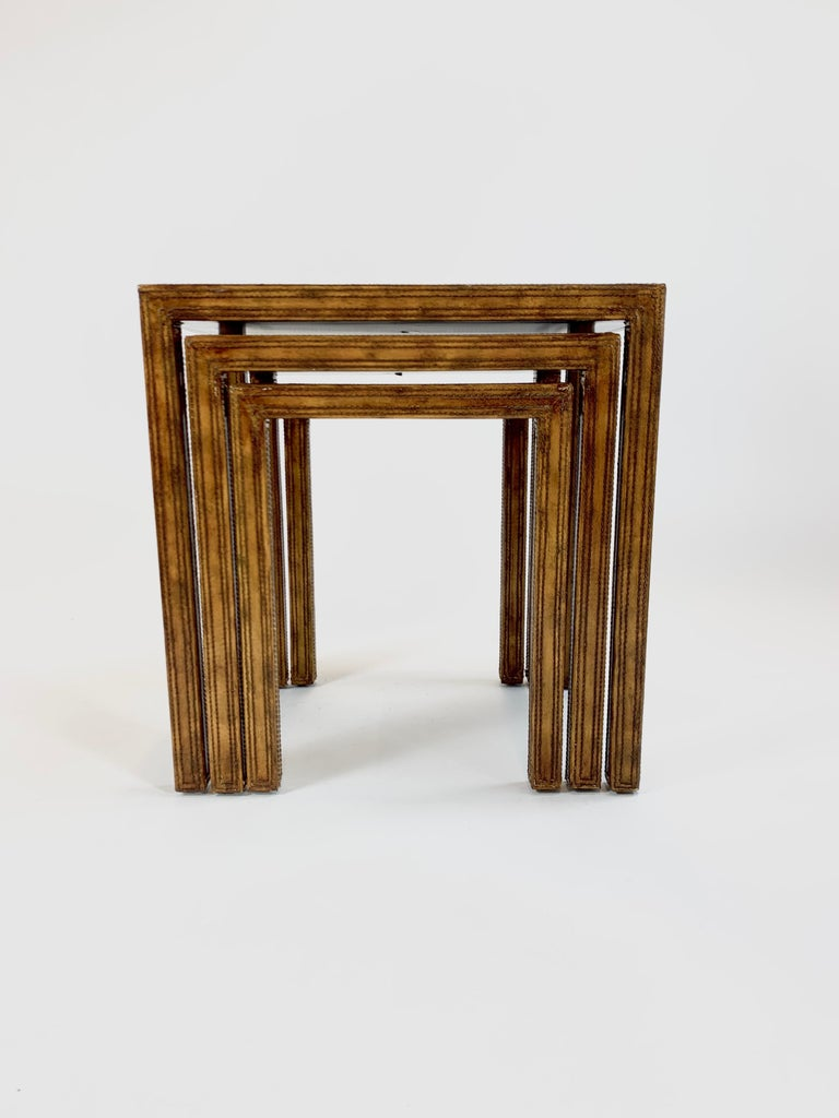 Leather Clad Nesting Tables by Maitland Smith In Good Condition For Sale In San Leandro, CA